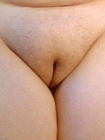 wifes plump bald pussy